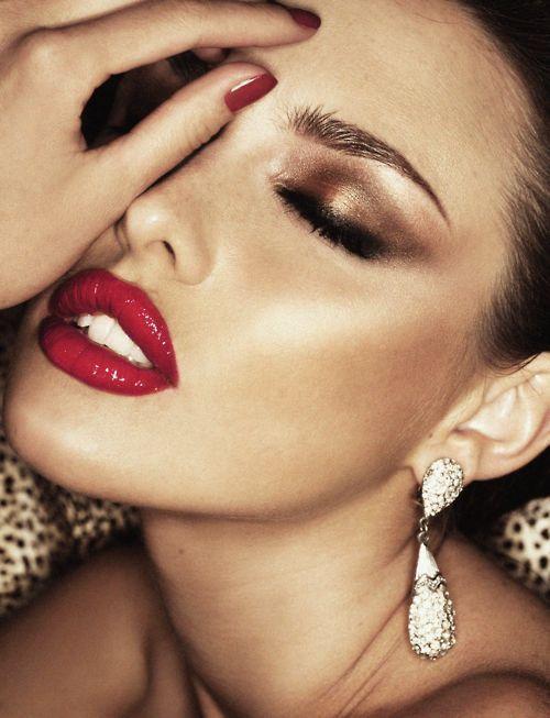 Maquillaje stilo glam para novias