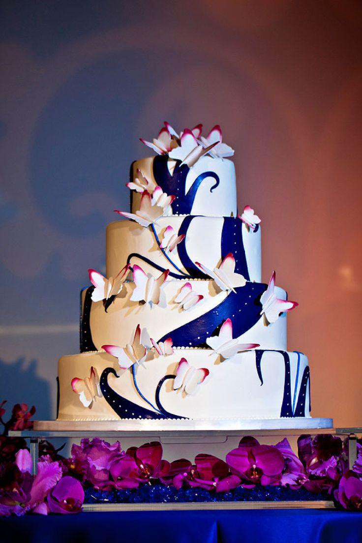 Deja que las mariposas se posen en tu pastel para boda