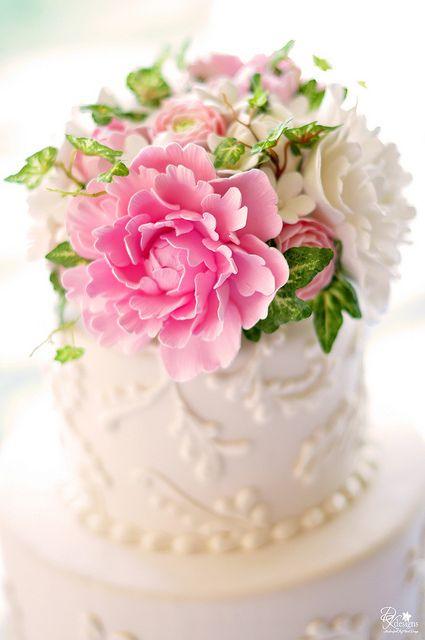 ¿Las flores de esta tarta se comen? Mini pastel diseñado por dkdesigns