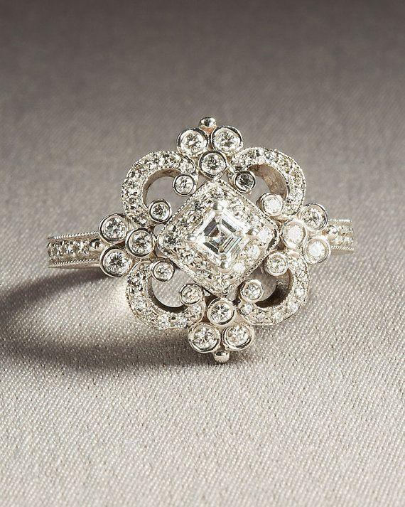 Sortija vintage con diamantes en forma de rombo perfecta para bodas glam vintage!