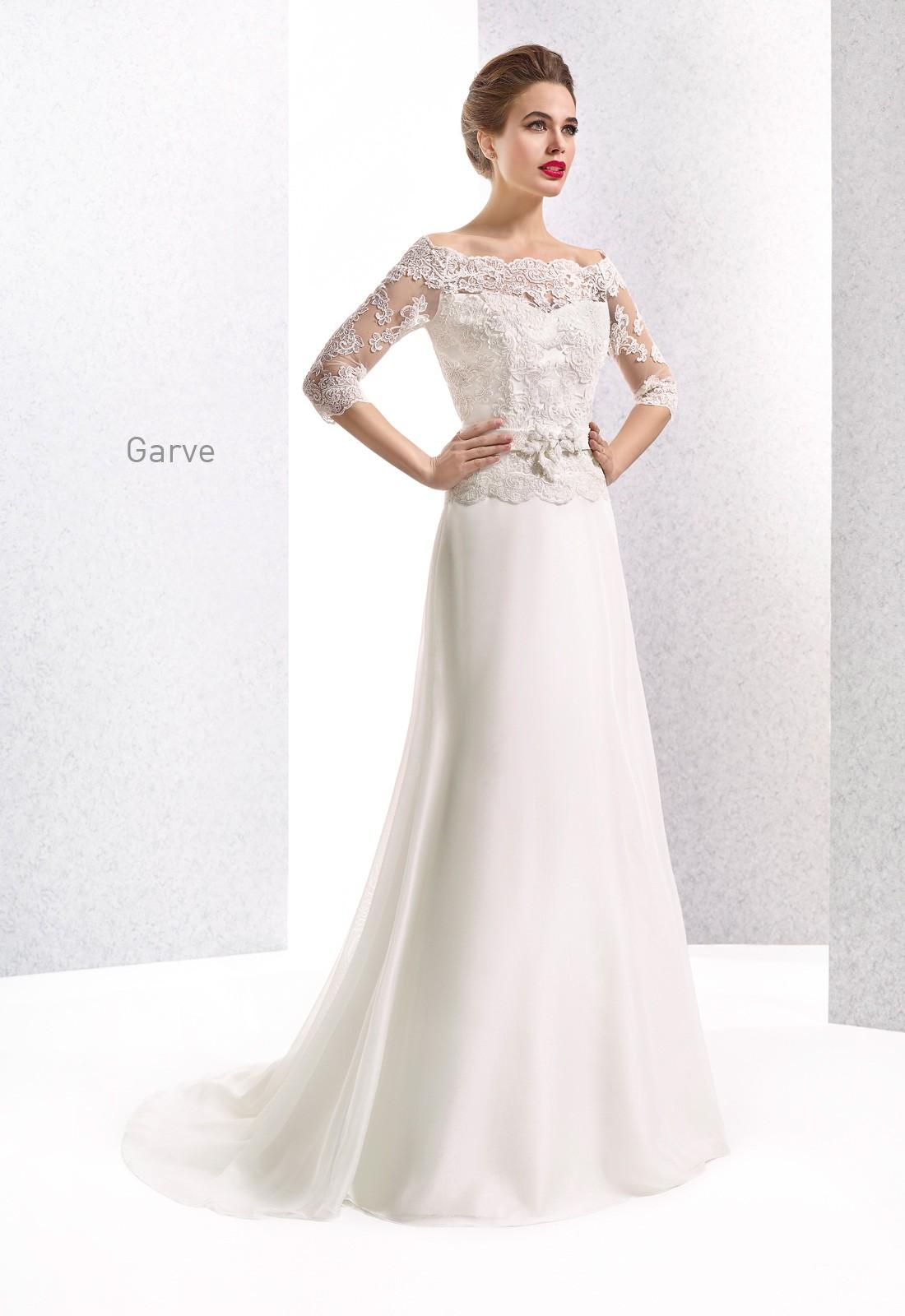 Media manga para tu vestido de novia de Cabotine con escote palabra de honor