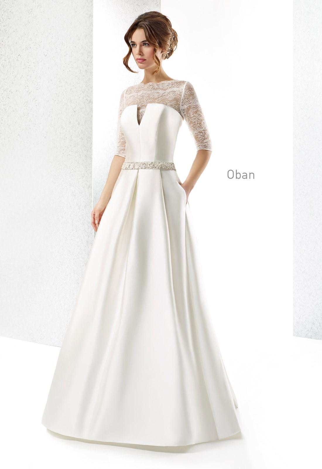 Vestido de Cabotine con escote original, raso y bolsillos | Tendencias en vestidos para novias 2015