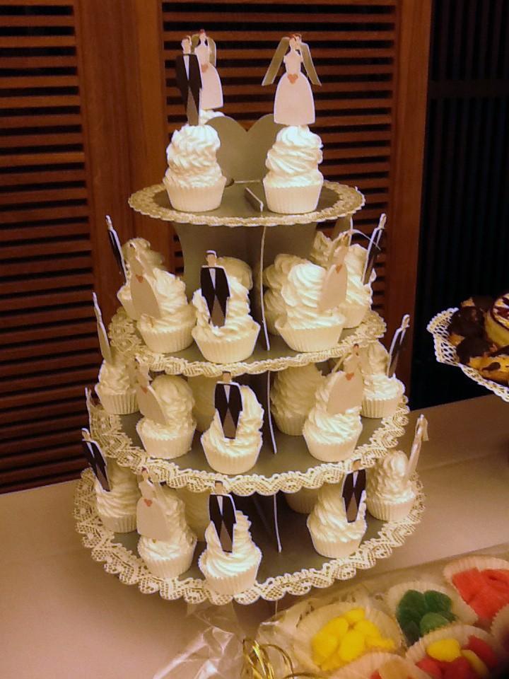 Personaliza tus cupcakes con siluetas y dales el toque más original