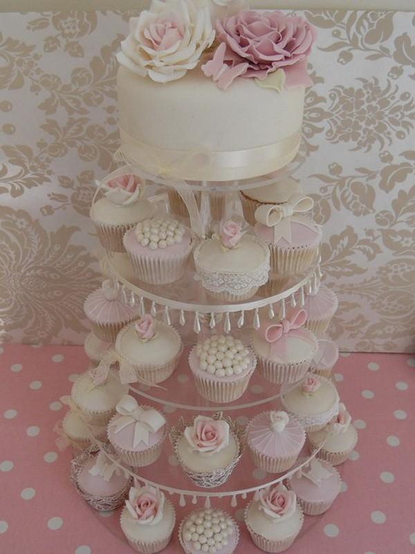 Cupcakes decorados en colores pastel...¡se nos hace la boca agua!