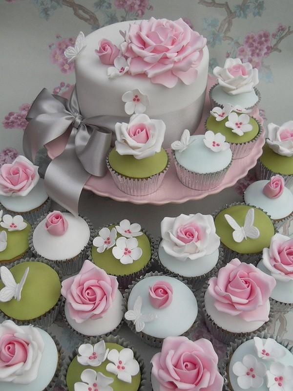Jardín de flores y cupcakes