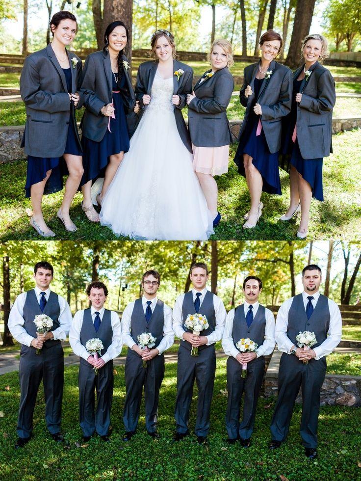 Un cambio de papeles para una foto grupal de boda muy divertida