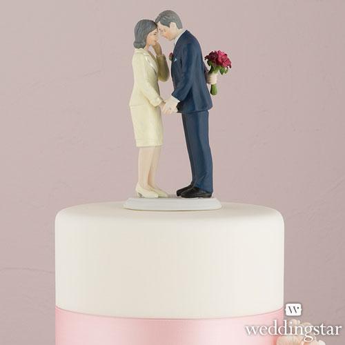 Vuelve a revivir tu gran día, decorando la tarta con una figura como ésta
