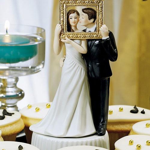 Una fotografía de recuerdo en la figura de la tarta