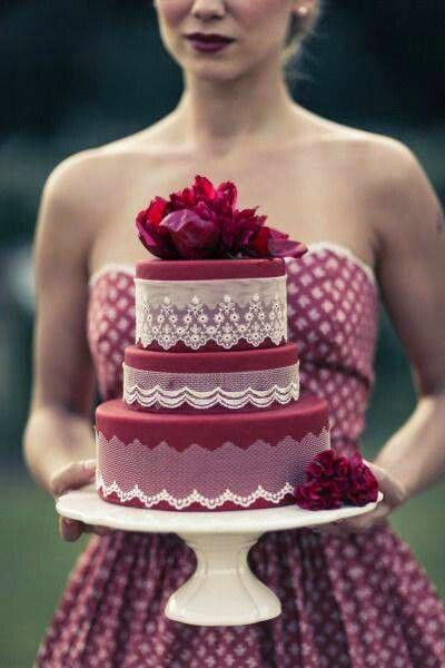 Una tarta nupcial dulce por dentro y por fuera
