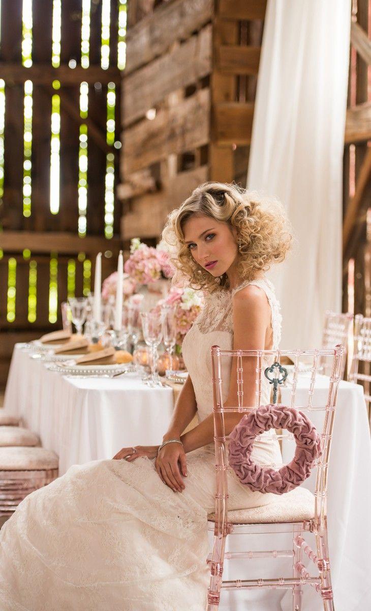 Mesa de boda y novia con estilo Shabby Chic