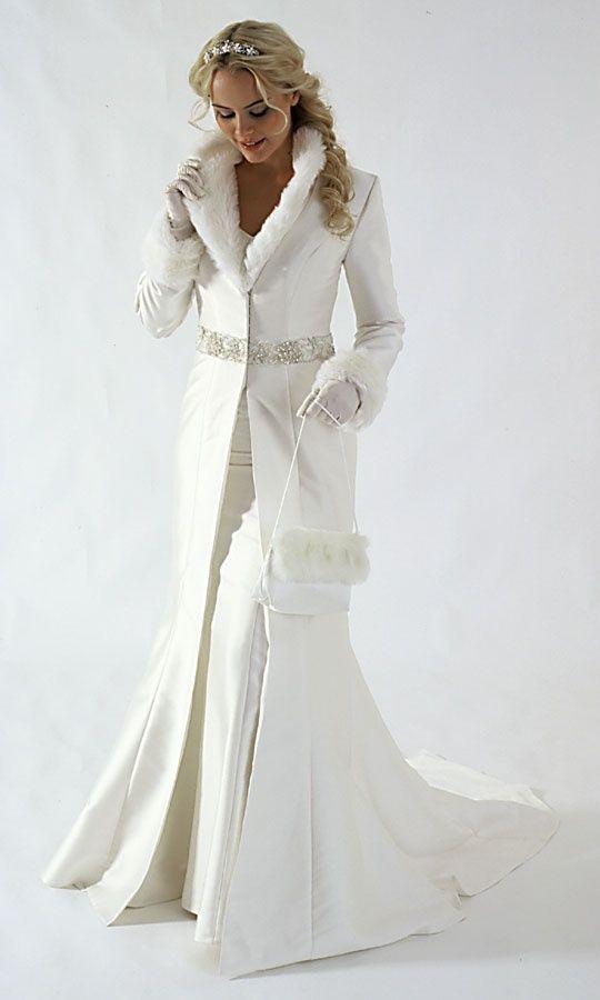 El abrigo largo es una solución perfecta para las novias de invierno