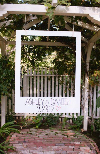 Los mejores retratos de tu boda, pueden estar tras este marco Polaroid
