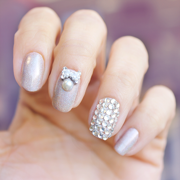Los toque brillantes también se pueden conseguir con perlas o diamantes