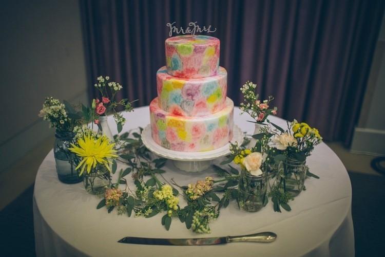 Un efecto acuarela para un pastel de boda diferente y original