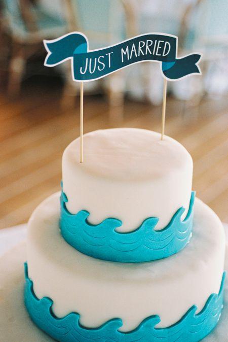 Las olas también llegan a la tarta de boda, así que, hay que darle un mordisco antes de que sea tarde