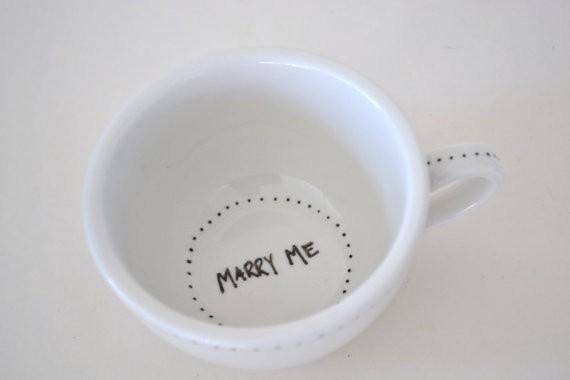 Para despejarnos, un buen café aunque éste trae sorpresa en el fondo de la taza