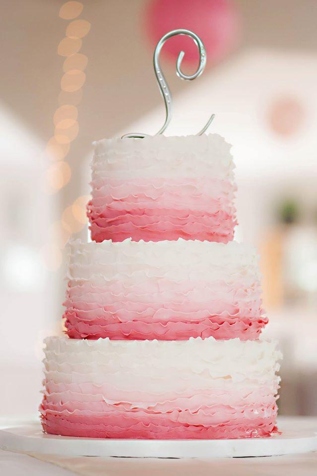 Tres pisos y capas muy deliciosas para un pastel tan original como éste