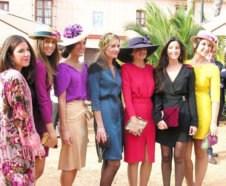 edd737080fa46f Los vestidos para invitadas siempre se adornan de una amplia variedad de  colores