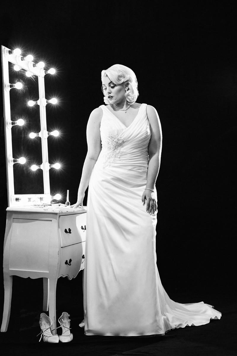 Porque los tirantes nunca pasan de moda y por eso, decoran los vestidos de novia más elegantes