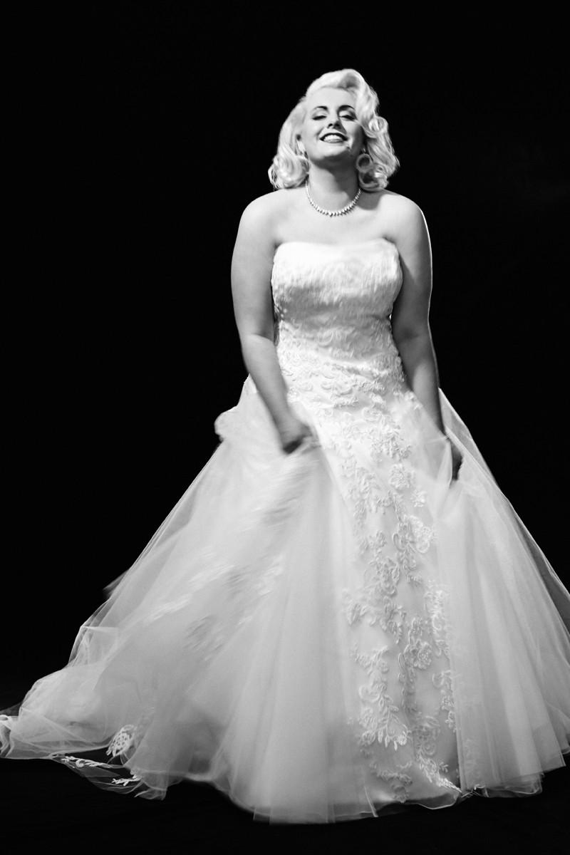 Siéntete como Marilyn con este vestido de falda con tul y encajes