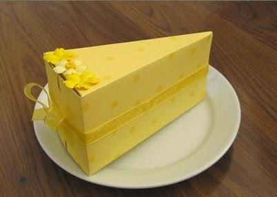 Caja en forma de tarta, ideal para ofrecerles a tus invitados un bocado original