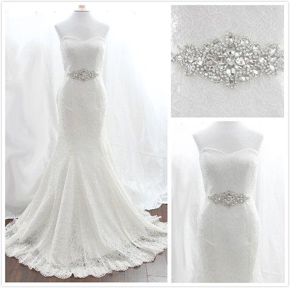 Un precioso vestido de novia se vuelve más bonito aún con este cinturón