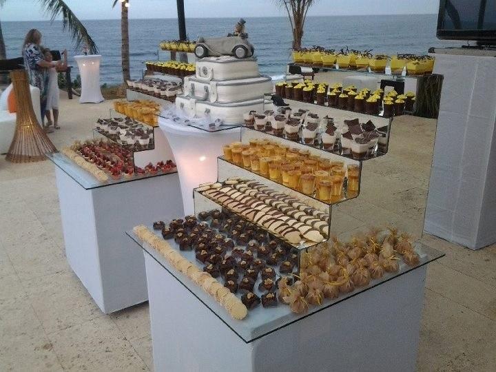 Mesa de dulces para un rico postre de boda