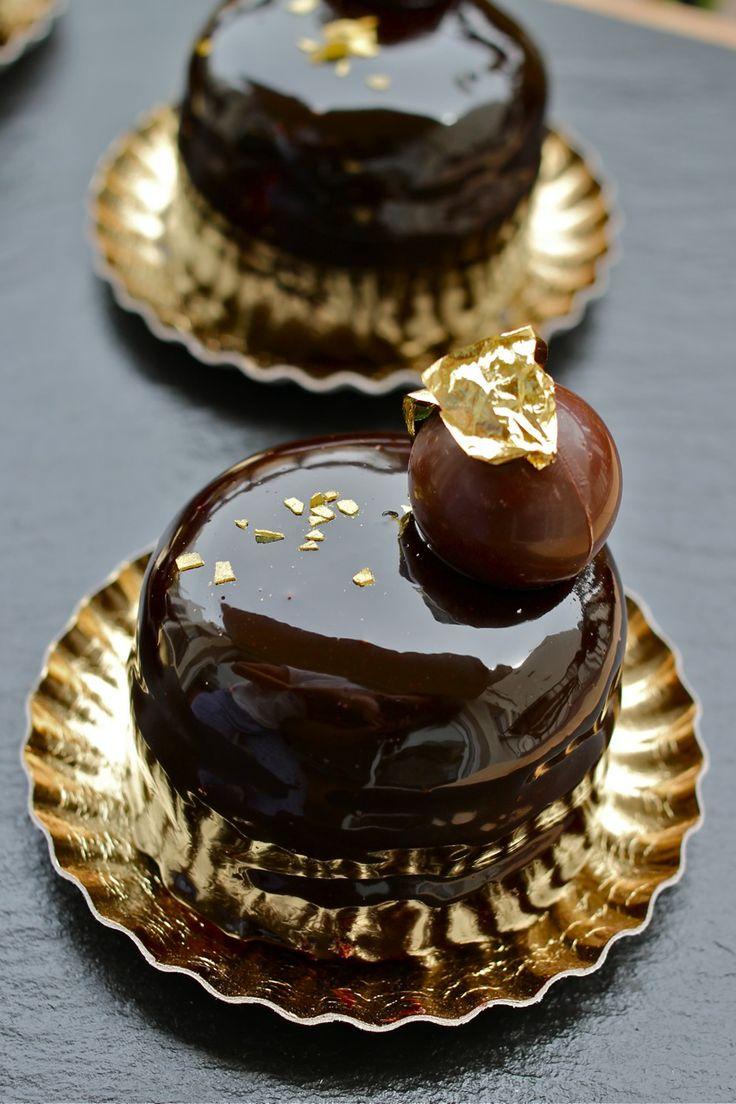 Chocolate y pistachos para un postre con mucho glamour