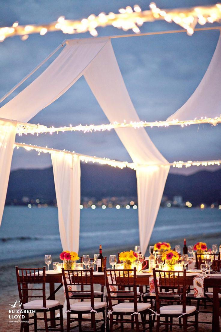 El banquete se sirve con un añadido extra: ¡mirando hacia el mar!
