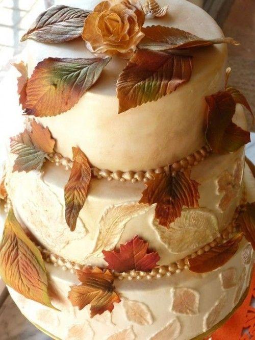 Una preciosa tarta a la que también se le caen las hojas