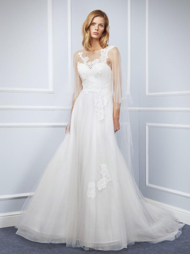 La gasa, el tul y los encajes se dan cita en un vestido como éste