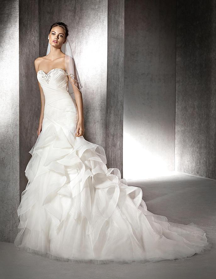 Volantes para completar la falda de novia más original