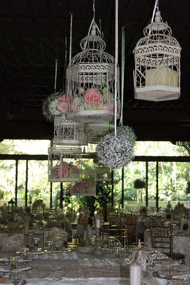 Una decoración romántica con jaulas
