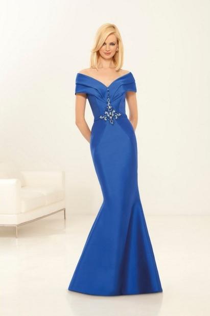 El azul real siempre marca la elegancia allá donde vayamos