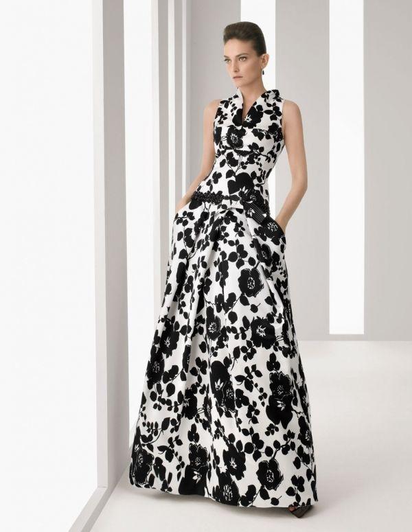 Rosa Clará nos propone un vestido bicolor con flores