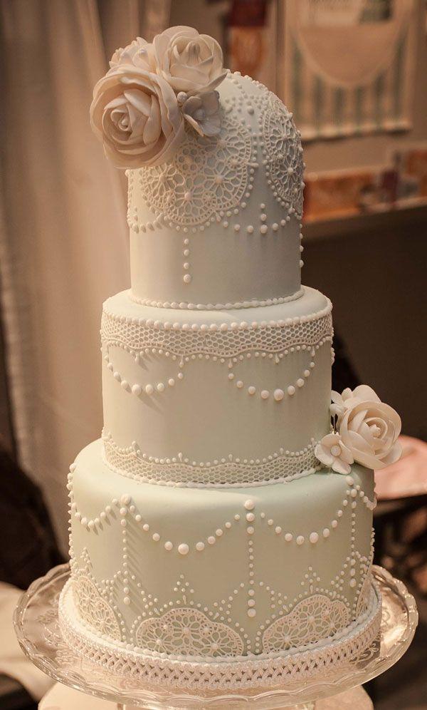 El color blanco para decorar una tarta nupcial perfecta