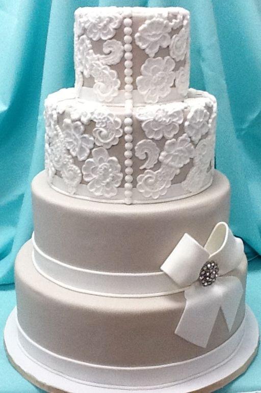Los lazos y el encaje también se comen gracias a este pastel