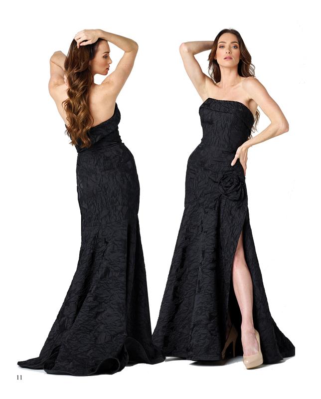 El color negro se deja ver en un vestido brocado y con aberturas en las piernas