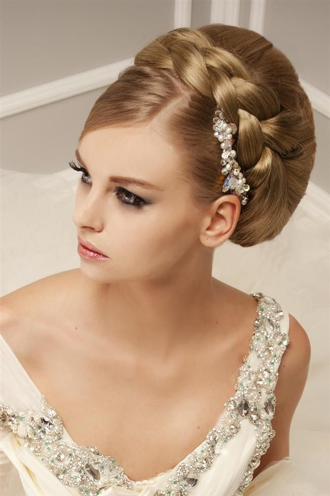 Termina un buen maquillaje de novia haciendo hincapié en las pestañas
