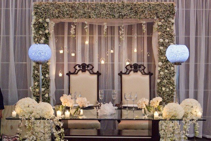 El glamour llega hasta los protagonistas de la boda y como no, a su mesa