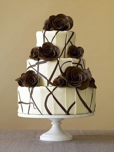 Pastel de boda combinado en chocolate blanco y negro
