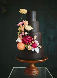¿Qué te parece una tarta de boda como ésta para tu gran día?