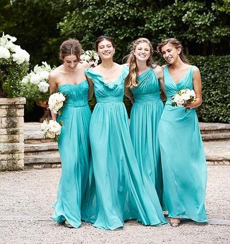 El color azul para los vestidos de damas de honor