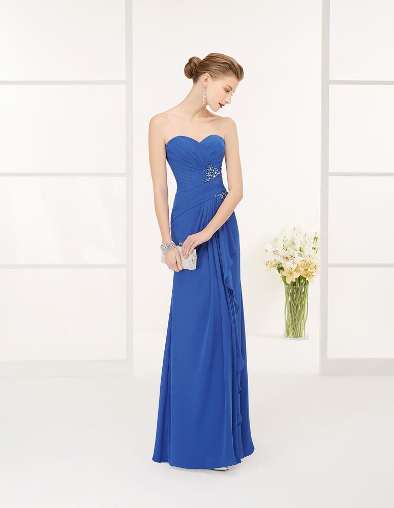 Precioso vestido azul real de Luna Novias