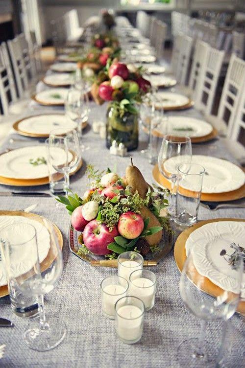 Pequeños centros que recorren las mesas de boda