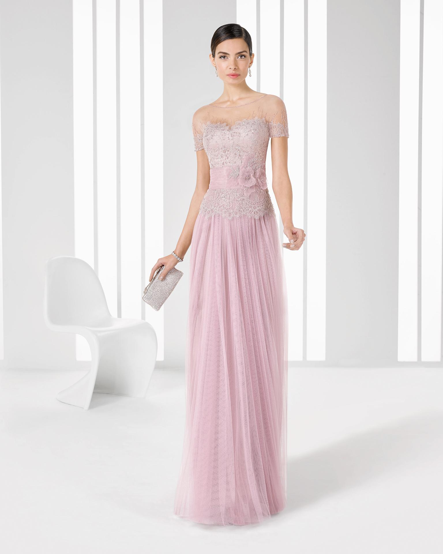 Vestido largo de gasa en rosa pastel