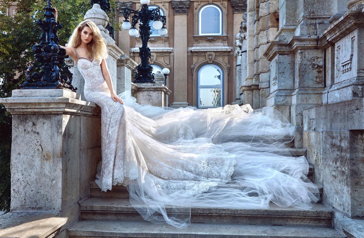 Parte delantera del traje de novia de Galia Lahav