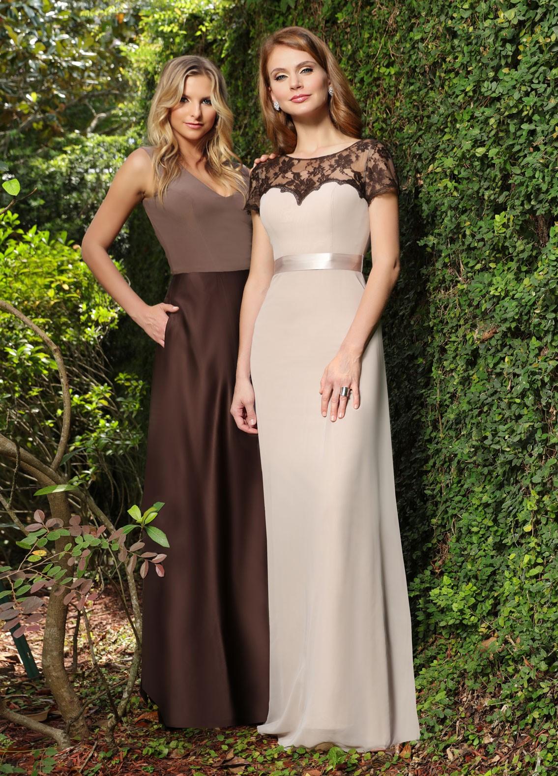 Vestidos de damas de honor combinados en marrón