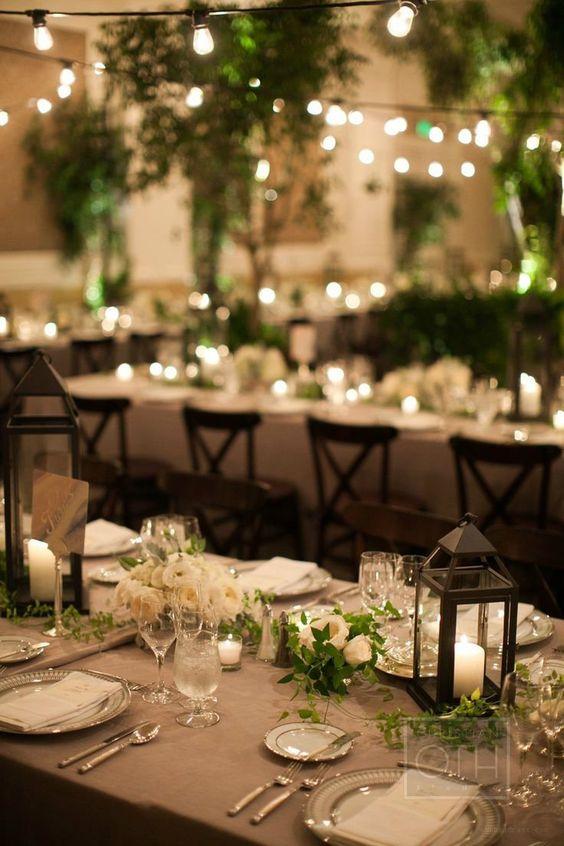 Una decoración de mesas muy romántica para una boda perfecta
