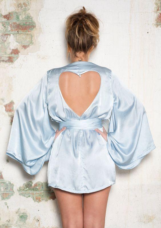 Lencería en color azul para las novias